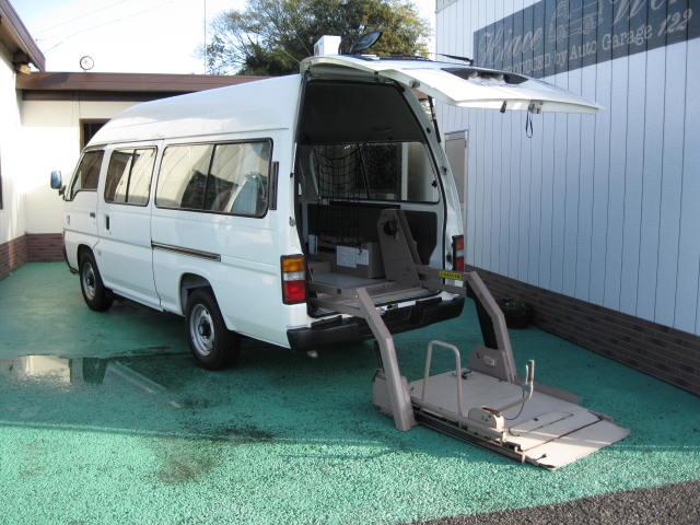 キャラバン福祉車輌車椅子2台10人乗り447
